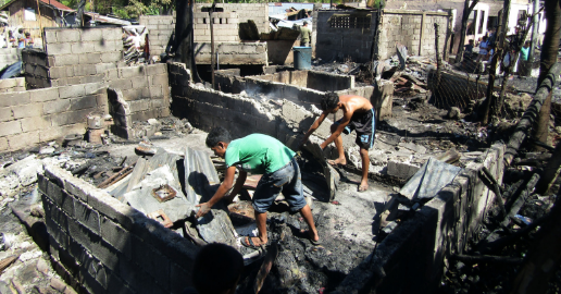Toril inferno | Fire razes 50 houses in Crossing Bayabas | Mindanao